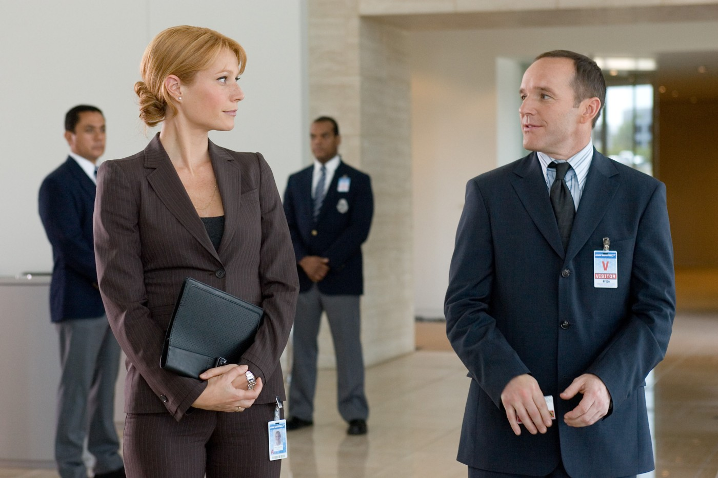 Coulson_talking_to_Pepper-Iron_Man_(film)